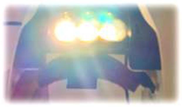 ドクターカー内部 手術用照明